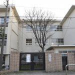 堅粕小学校便所改修工事1